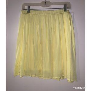 Old Navy yellow flowy mini skirt